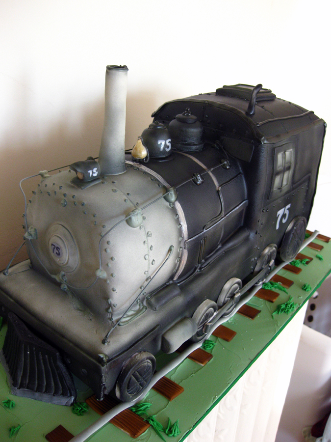 Train Engine Cake Images : Sept. 09 Sculpted Cakes Blog.OakleafCakes.com